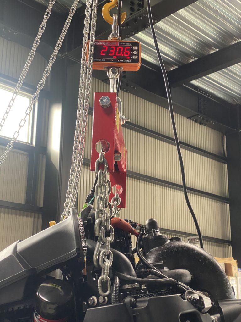 マーキュリーレーシング 300R V8 4.6L 4ストローク 重量